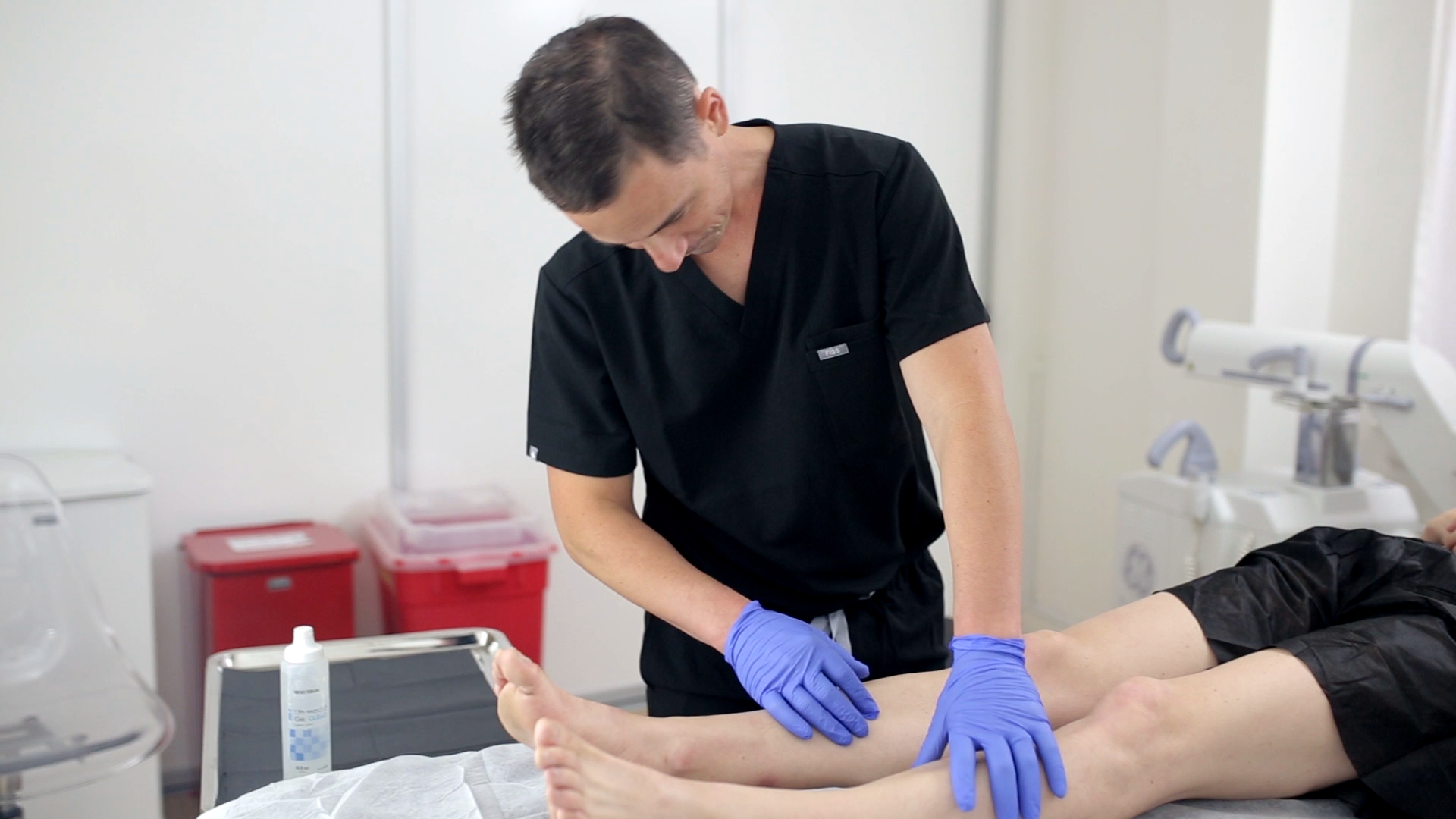 Minimally invasive vein treatments are safe and effective and require no downtime. In this article, experts at a top vein center in California discuss minimally invasive vein treatment options.